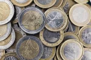3.574-pieces-de-monnaie-dans-un-sac-a-dos