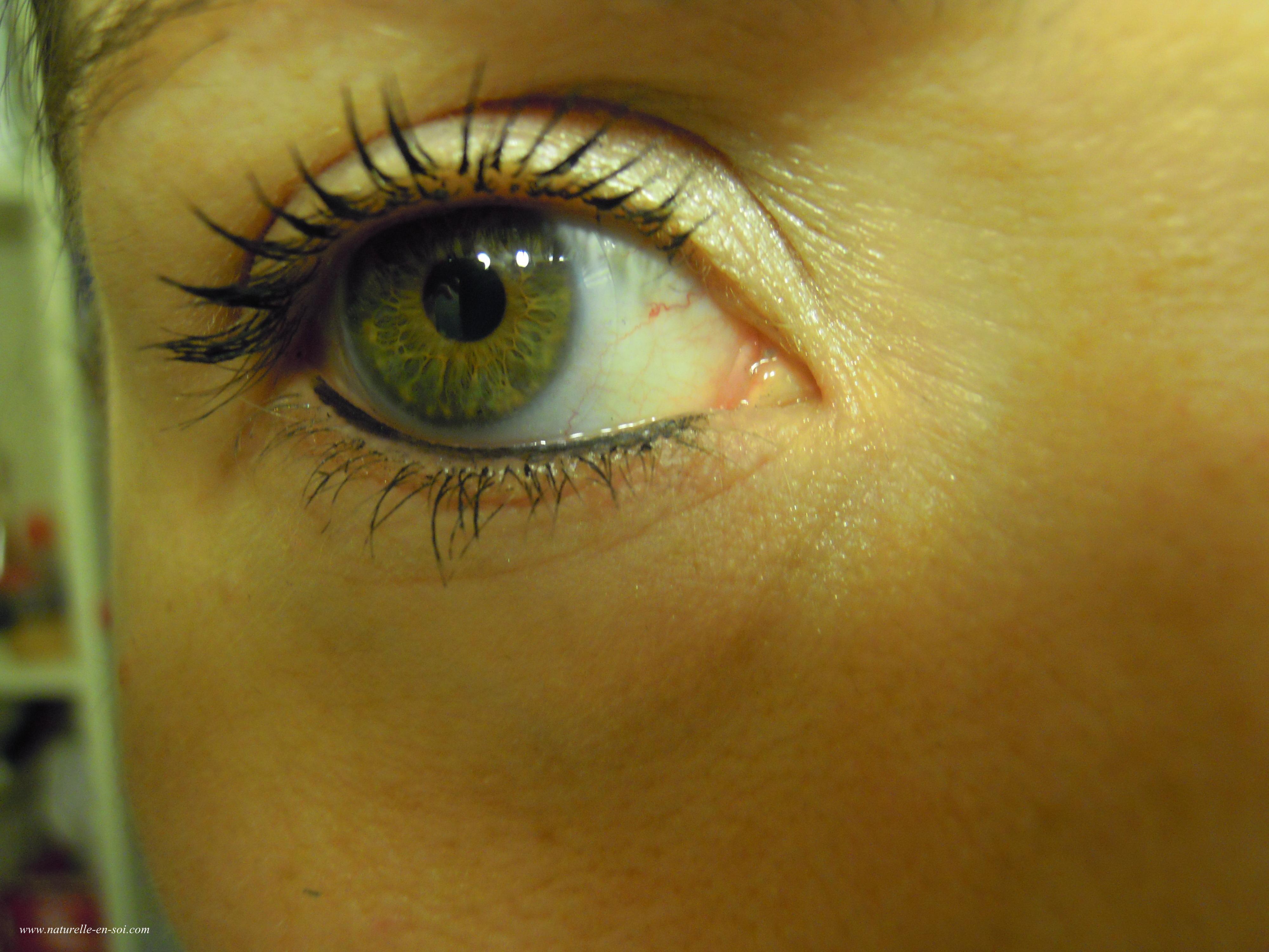 mascara couleur Caramel oeil droit