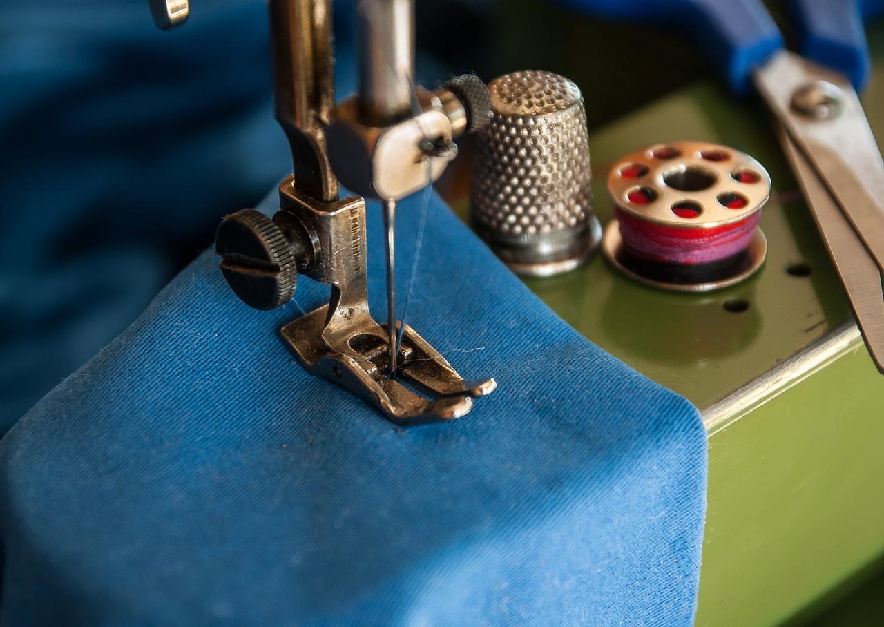 sewing-machine-1369658_1280