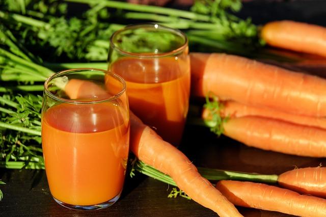 carrot-juice-1623157_640